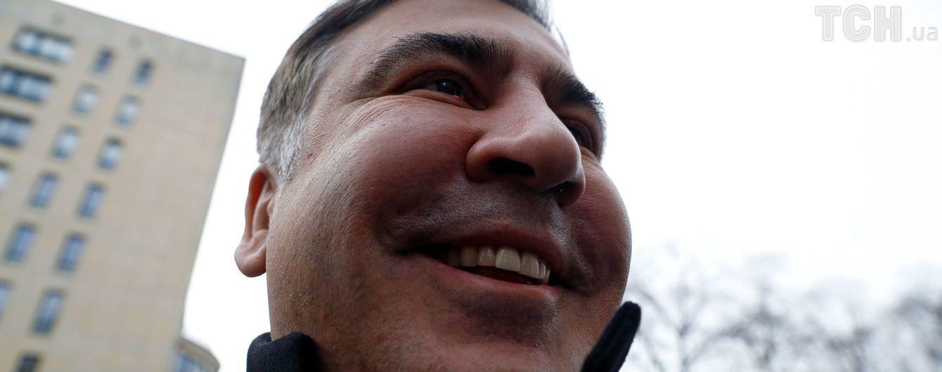 Саакашвили утверждает, что Луценко отменили американскую визу и сняли с самолета в Амстердаме