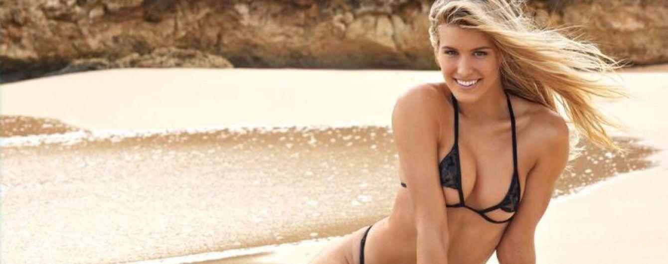 Знаменитая теннисистка эротично покрасовалась в купальнике для американского журнала