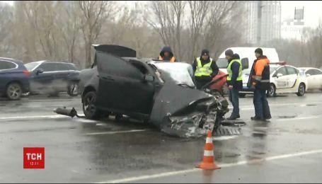 На столичном проспекте Лобановского в аварии погиб 22-летний капрал полиции