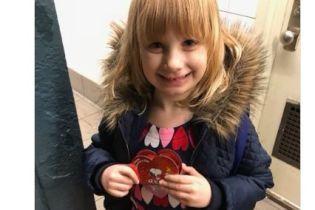 У Нью-Йорку на День святого Валентина машиніст зупинив потяг і подарував дівчинці коробку цукерок