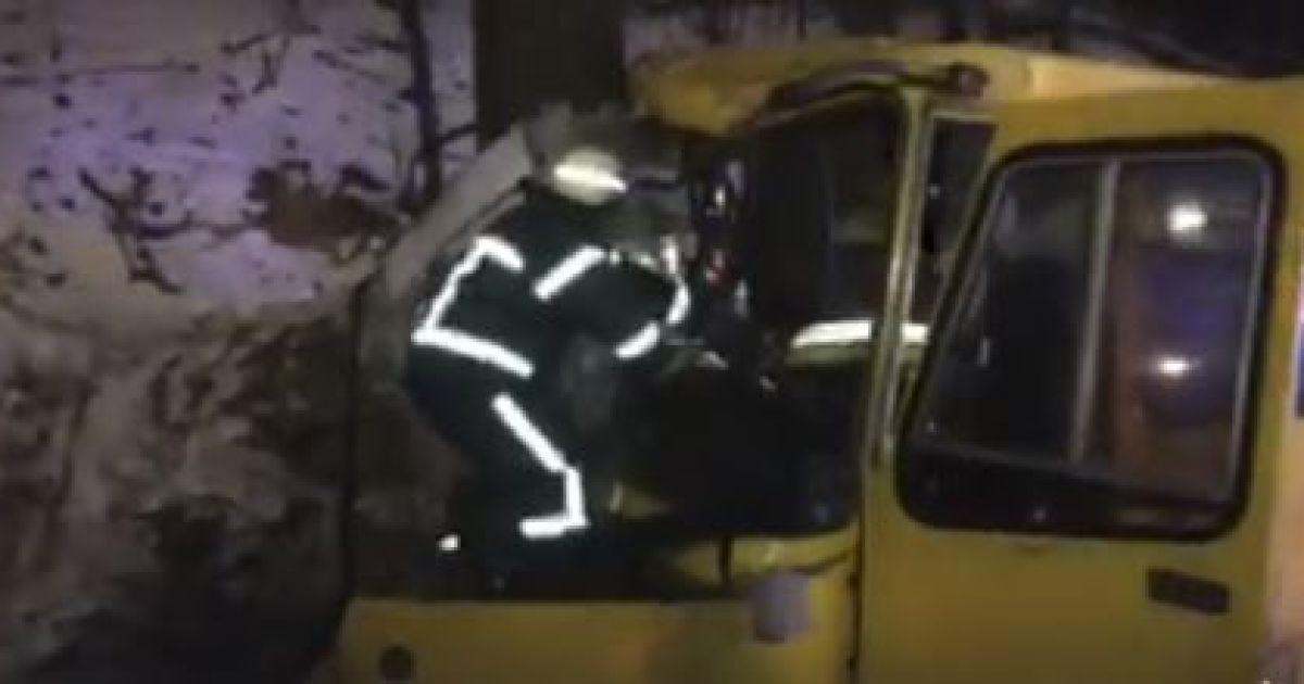 В Киеве две маршрутки устроили ДТП с десятками пострадавших