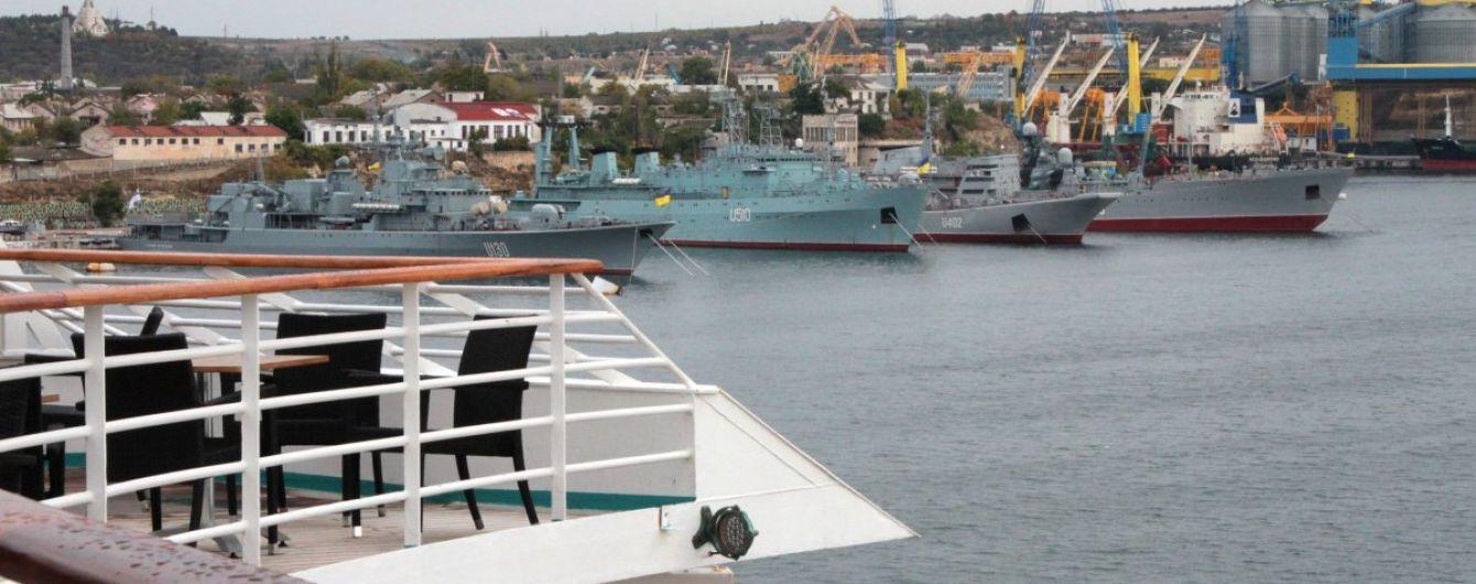 За півроку до портів Криму незаконно зайшли майже 600 суден, більшість із яких російські – МінТОТ