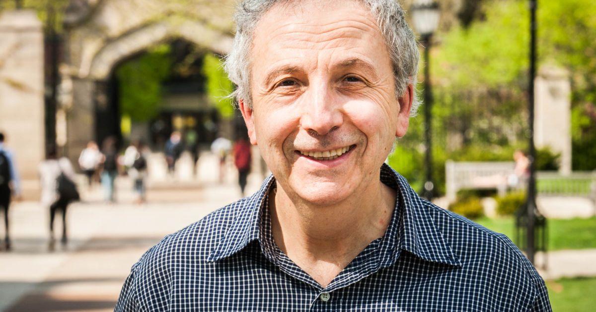 Украинский ученый получил престижную премию по математике в $100 тысяч