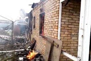 Боевики накрыли огнем Жованку, спалив дом местных жителей