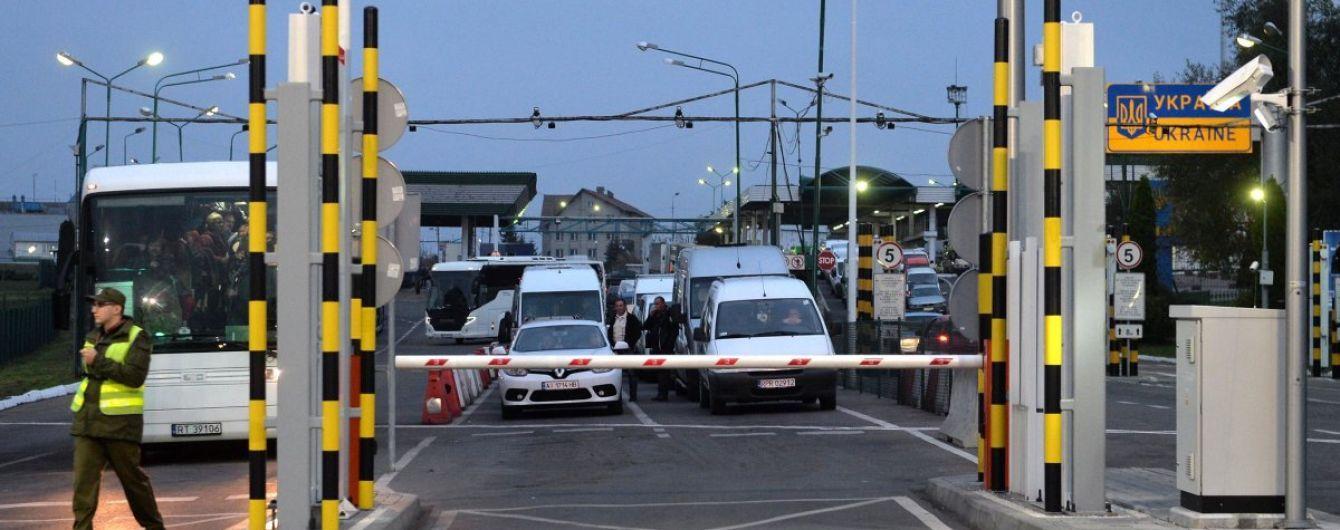 Пограничники объяснили причину очередей на границе с Польшей