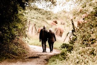 Низкая физическая активность увеличивает риски болезни Альцгеймера - ученые