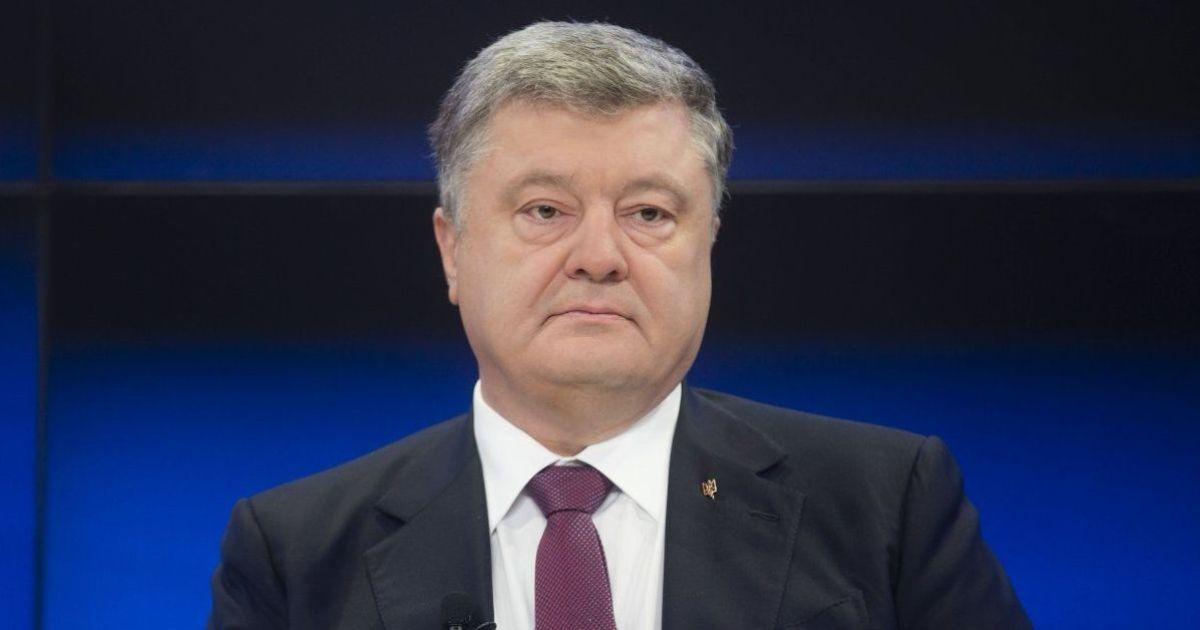 Суд отказал адвокатам Януковича в повторном допросе Порошенко