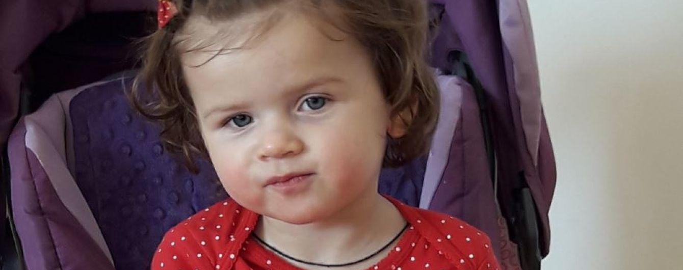 Крихітна Ангелінка бореться за своє здоров'я