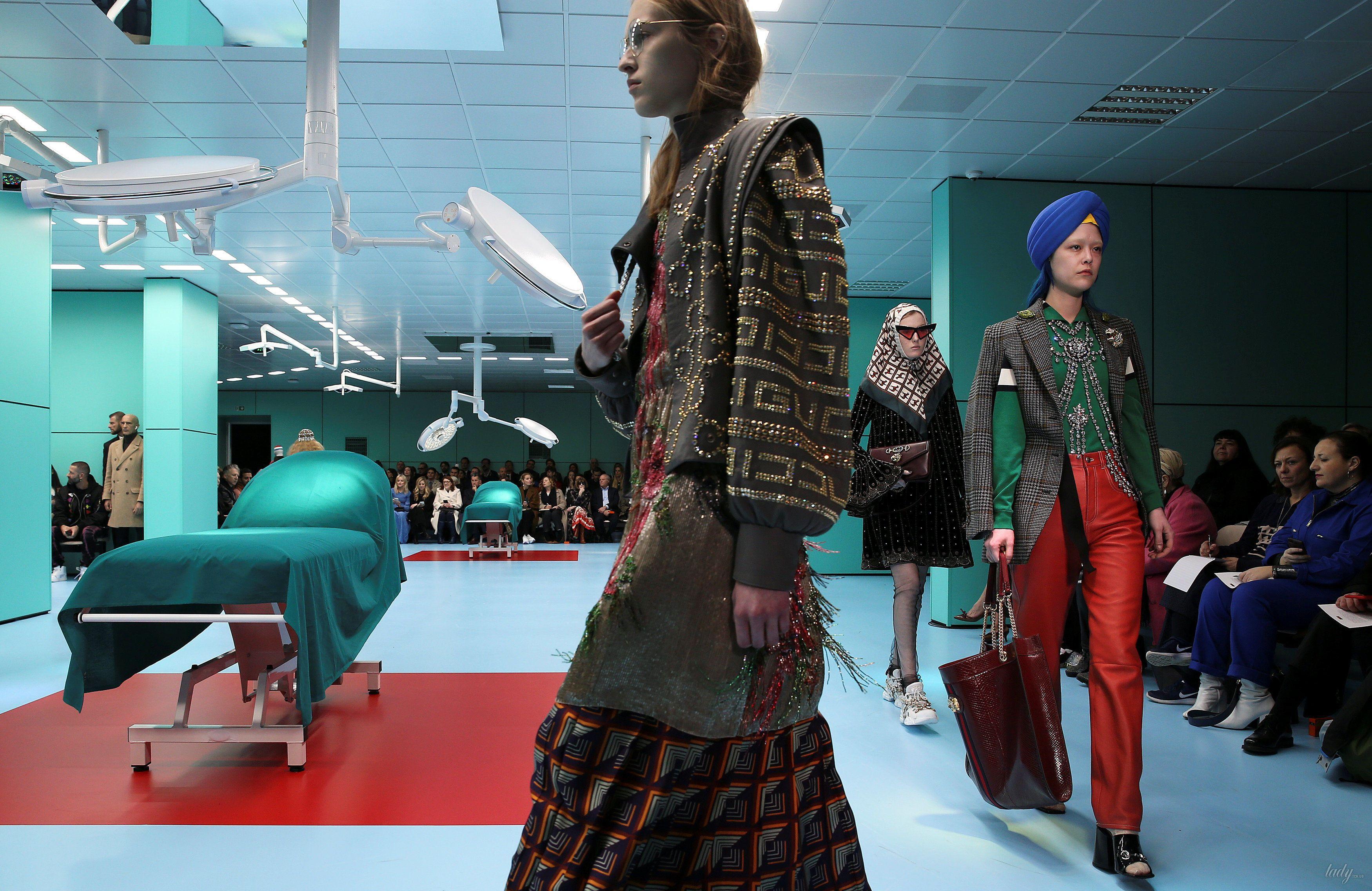 Показ коллекции бренда Gucci в Милане_24