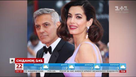 Супруги Клуни и Опра Уинфри выделят средства на усиление контроля оружия в США