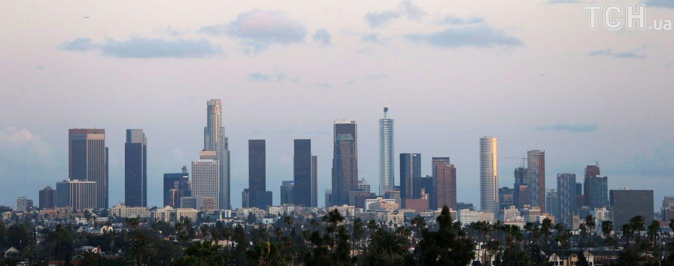 В Лос-Анджелесе сгорел трехэтажный дом - чудом все выжили