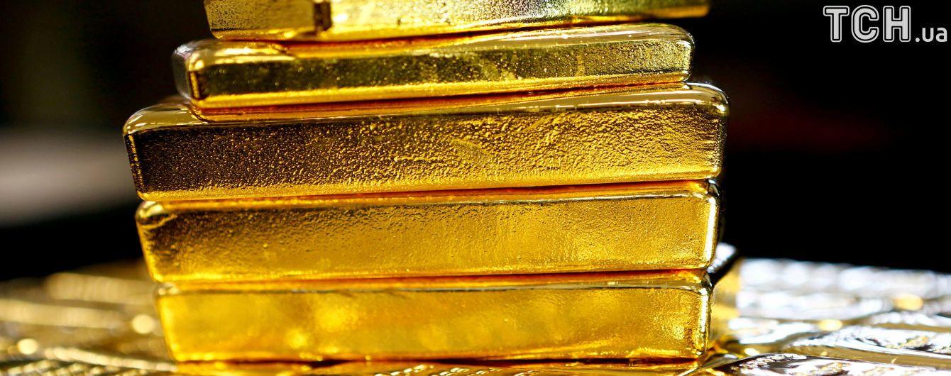 """НБУ констатирует """"похудение"""" золотовалютных резервов"""