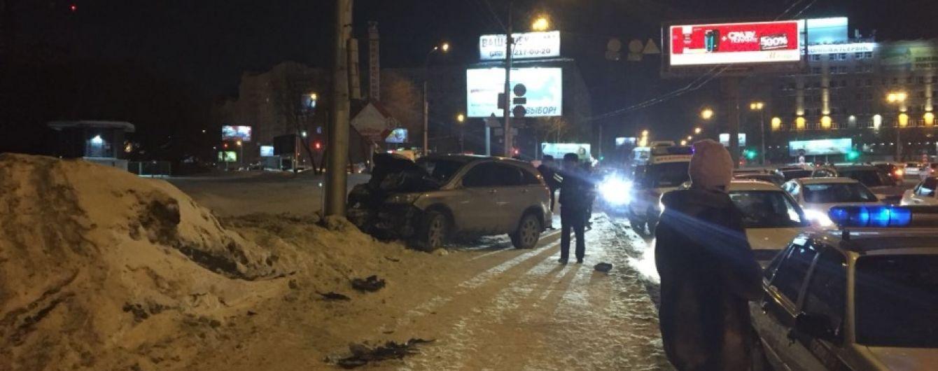 В России автомобиль въехал в толпу пешеходов, погибли 3-летний ребенок и его мать