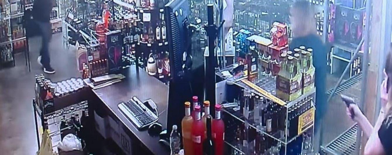 Две продавщицы в США расстреляли грабителя