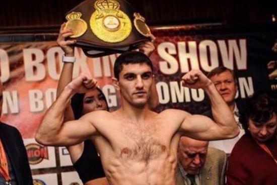 Українець Далакян ефектно нокаутував суперника та захистив чемпіонський титул
