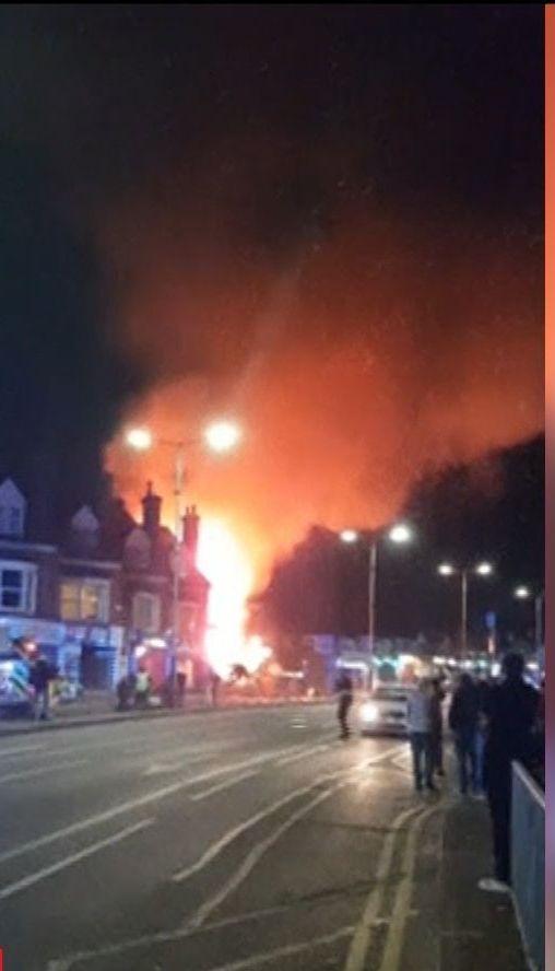 Мощный взрыв произошел в британском городе Лестер
