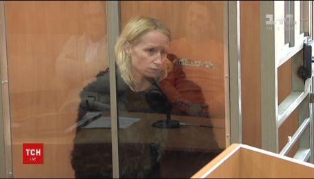Женщина, которая с молотком напала в театре на АТОшника, повесилась в СИЗО