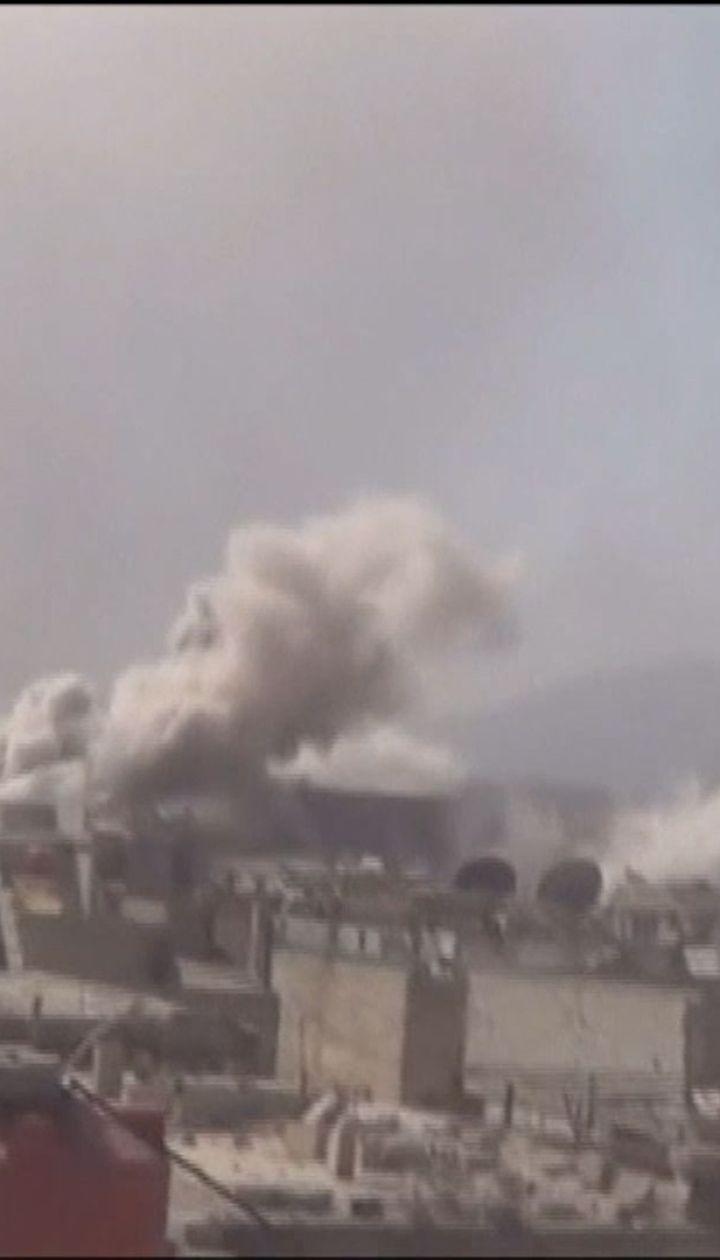 Правительственные силы в Сирии продолжают бить по повстанцам