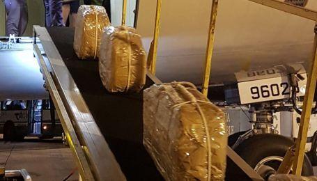 У Путина бьют тревогу: Кремль называет фото президентского самолета, перевозившего кокаин, подделкой