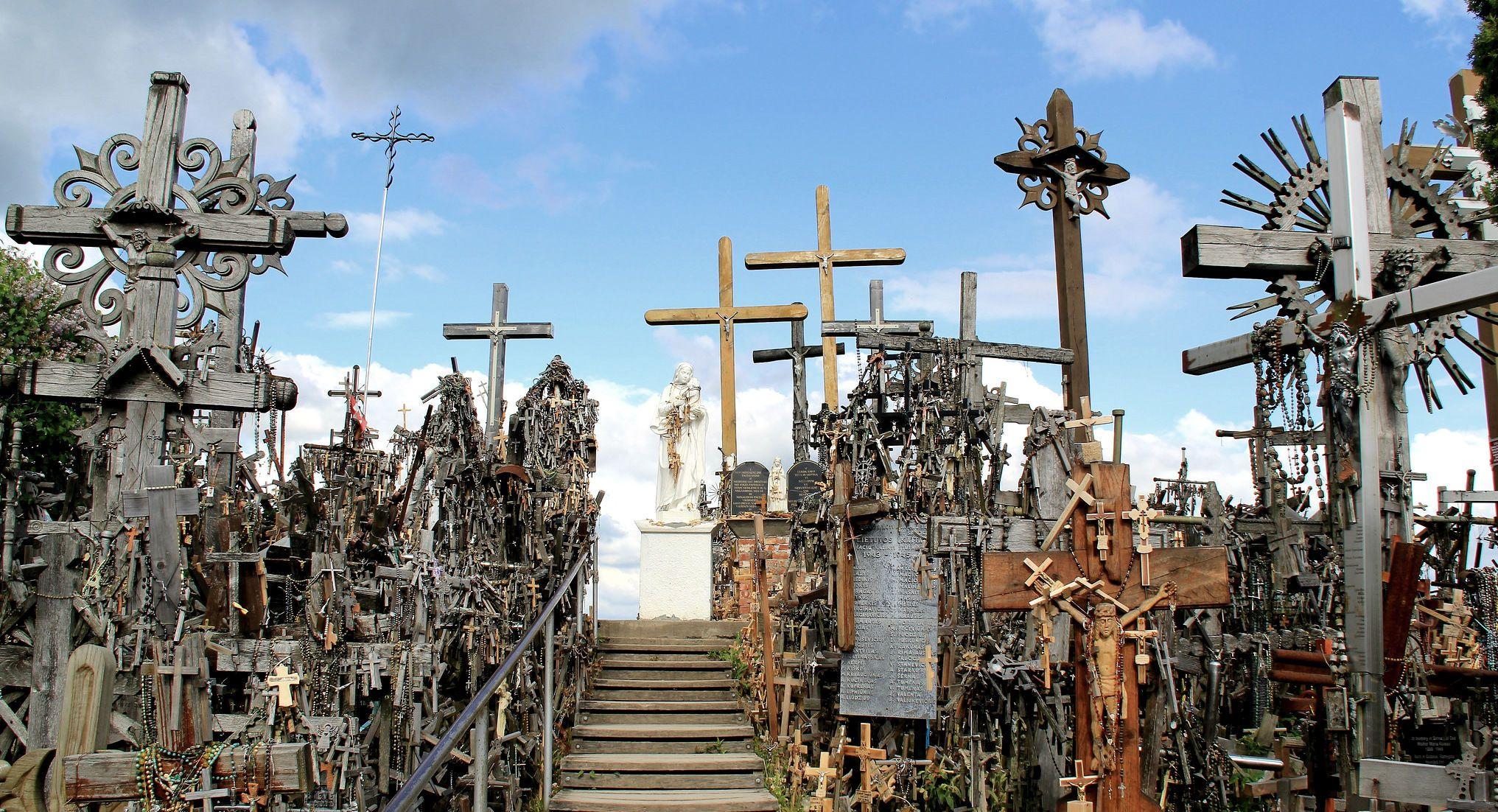 Гора Хрестів, Литва