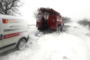 На Полтавщине из-за снега женщине пришлось рожать дома с консультациями медиков по телефону