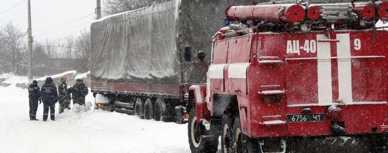У Миколаївській області обмежений в'їзд і виїзд вантажівок через негоду