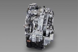 """Toyota улучшила свой мотор, коробку передач и еще некоторые """"внутренности"""""""