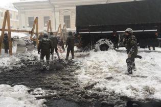 Соболєв повідомив про арешт всіх активістів, які були в таборі біля Ради. Поліція демонтує намети