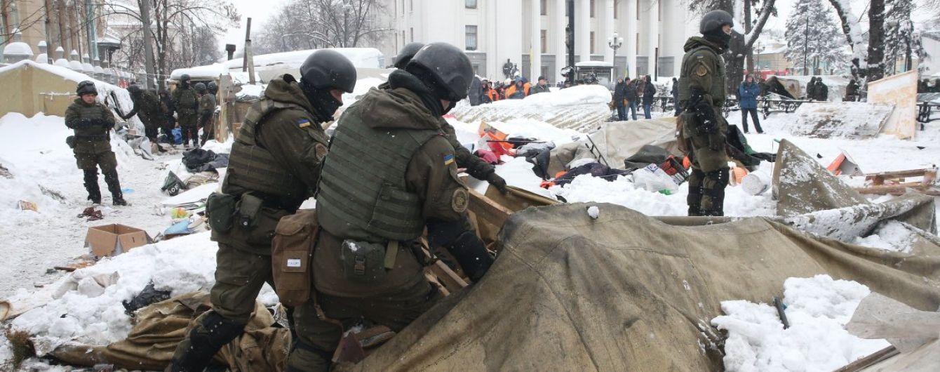У Червоному Хресті нарахували близько двох десятків постраждалих у сутичках біля Ради