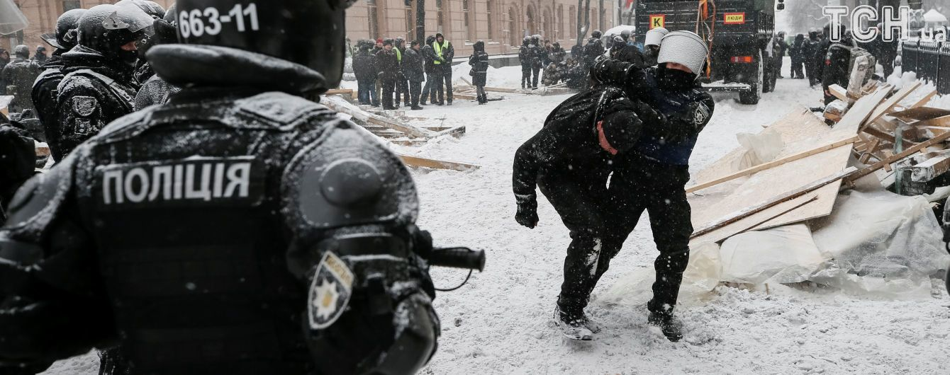 Знайдені у мітингувальників під Радою гранати були бойовими – МВС