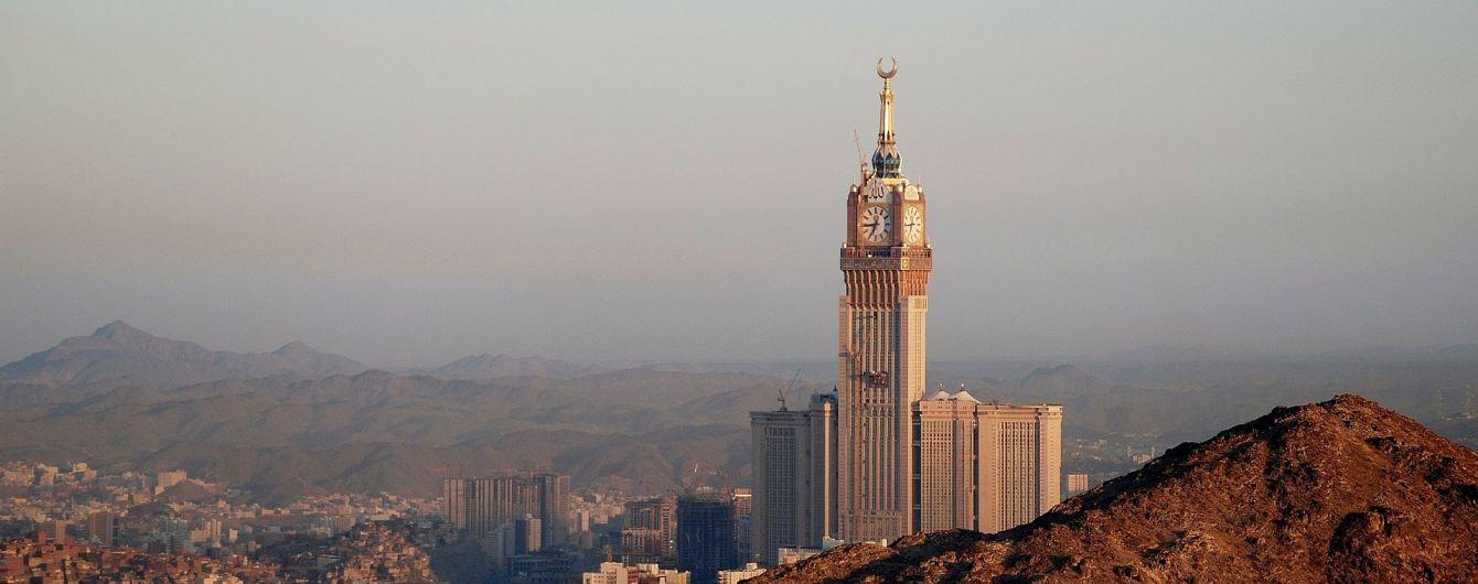 В гостиницах Саудовской аравии разрешили снимать совместный номер неженатым иностранным парам