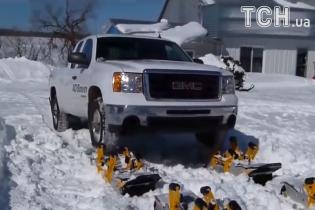 Американцы показали, как сделать из внедорожника снегоход