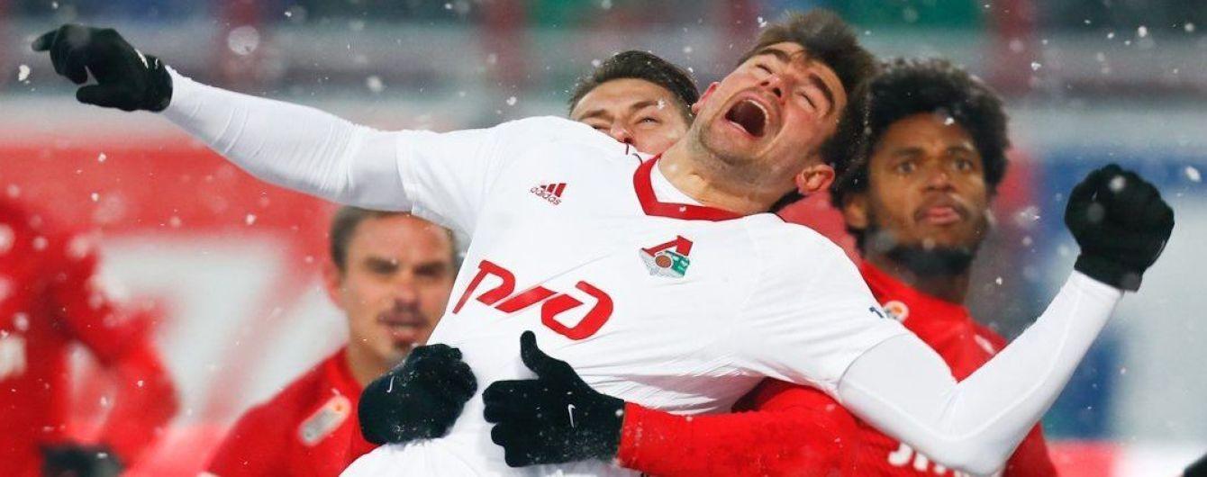 Матч между лидерами чемпионата России сыграли мячом, который в течение игры не заметили даже комментаторы