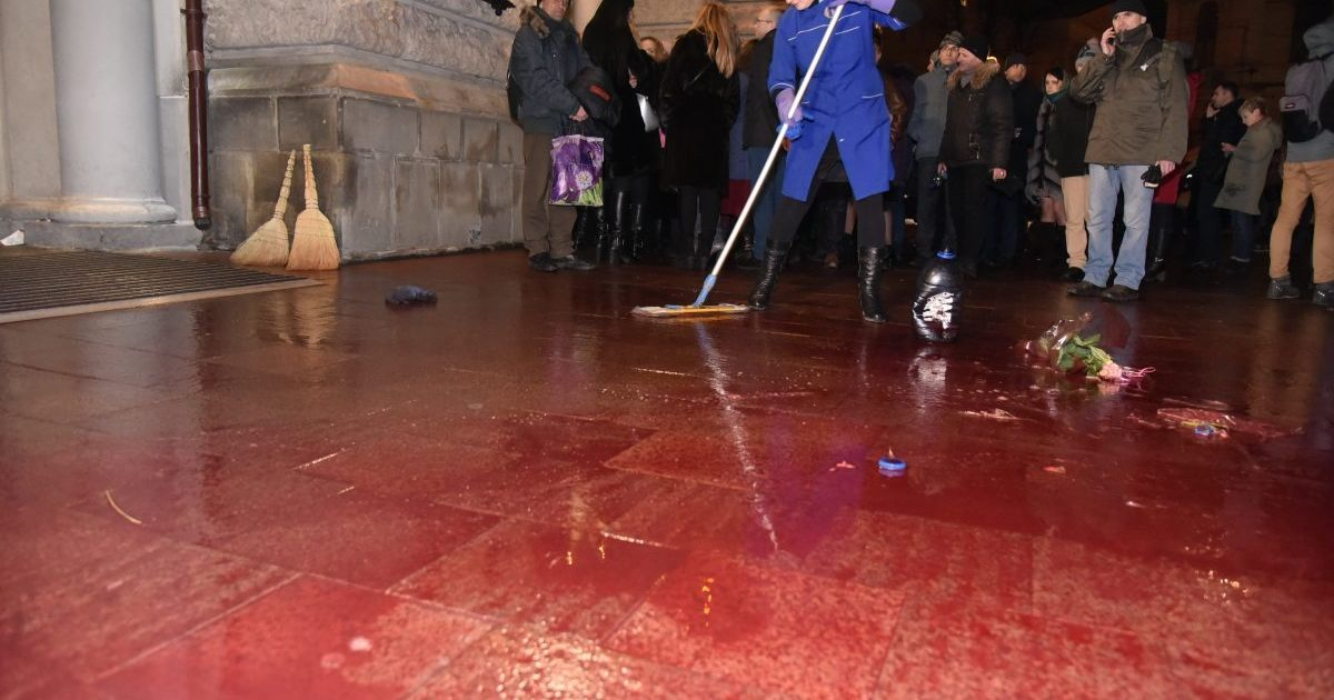 Блокирование концерта и свиная кровь. Во Львове Ирину Билык заставили признать Россию агрессором