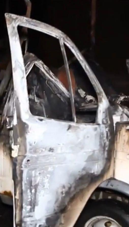В Дніпрі на парковці вибухнула автівка