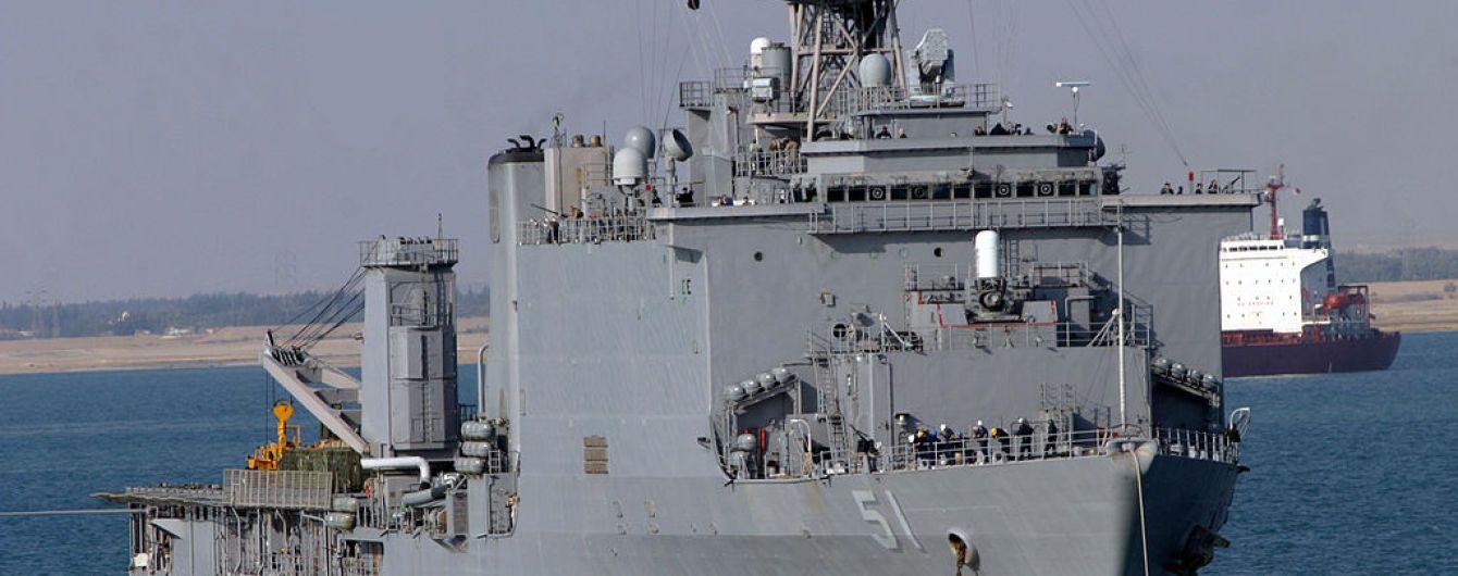 В Черное море вошел американский военный корабль с морской пехотой на борту