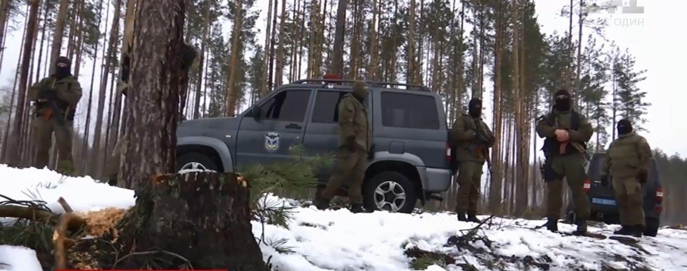 Битва за лес: на Житомирщине спецназ со стрельбой задержал с поличным черных лесорубов