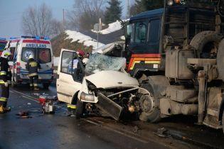 В Польше авто с украинскими заробитчанами влетело под колеса грузовика – есть погибшие и травмированные