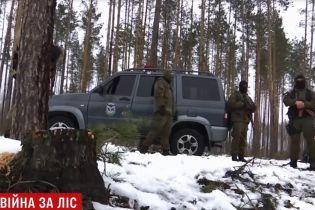 Битва за ліс: на Житомирщині спецназ зі стріляниною затримав на гарячому чорних лісорубів