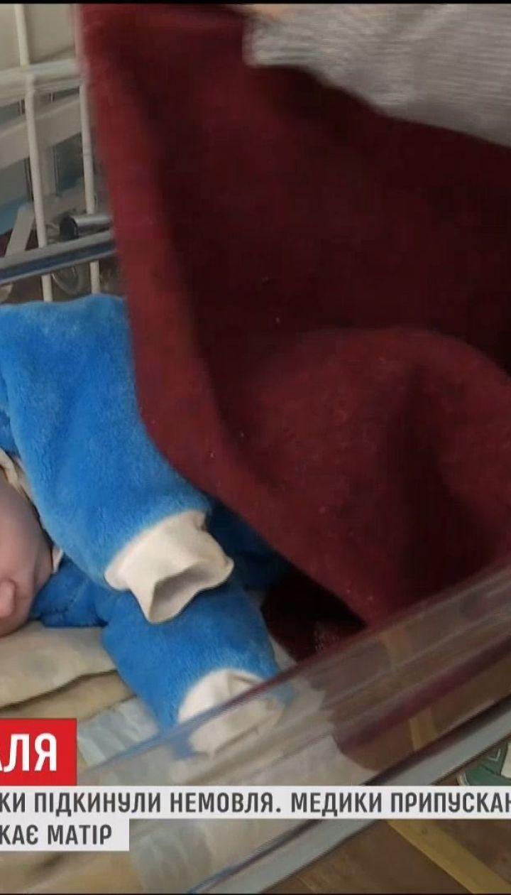 Мешканці багатоповерхівки на Сумщині знайшли у під'їзді немовля