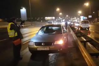 В Киеве авто сбило нацгвардейца, который бросился на помощь пострадавшему в ДТП