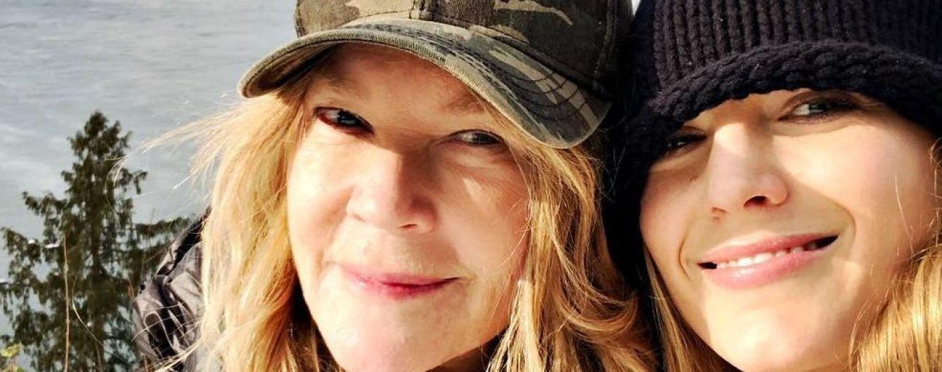 Как подруги: Блейк Лайвли запостила милое селфи со своей мамой