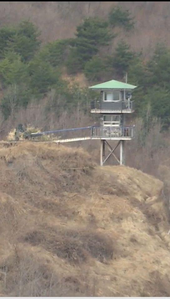Кордон між запеклими ворогами: подробиці конфлікту Південної Кореї та КНДР