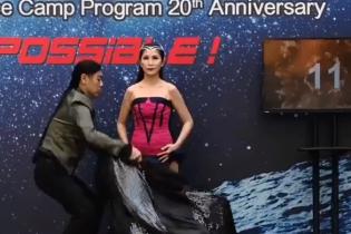 Иллюзионистка из Малайзии ошеломила зрителей рекордным количеством переодеваний за полминуты
