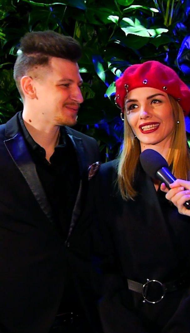 """Наречений співачки MamaRika розповів, як робив пропозицію: """"Дожала-таки пацана"""""""