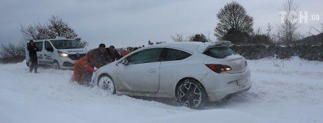 В Украину надвигается снежная непогода: водителей предупредили об опасности