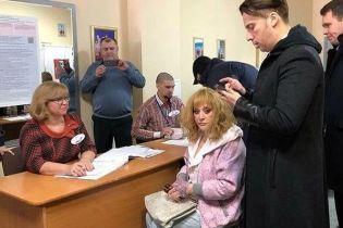 Як зірки голосували за президента РФ: сумна Пугачова та шоу на дільниці від Кіркорова