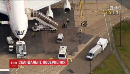 """Российские дипломаты вернутся из Лондона на """"кокаиновом самолете"""""""