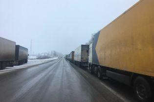 На польсько-українському кордоні знайшли мертвим водія вантажівки