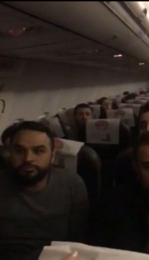 В Одесском аэропорту пассажиров больше 10 часов держали в самолете